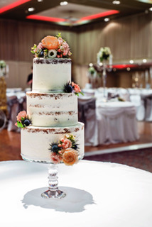 Semi Naked Wedding Cake created by MMCookies